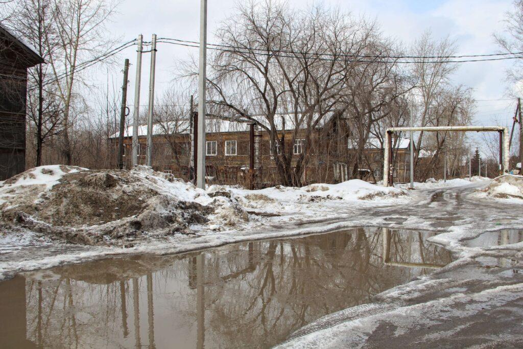 Без жилья, но со складом взрывчатки и исками. Чем обернётся смена зонирования Бахаревки?
